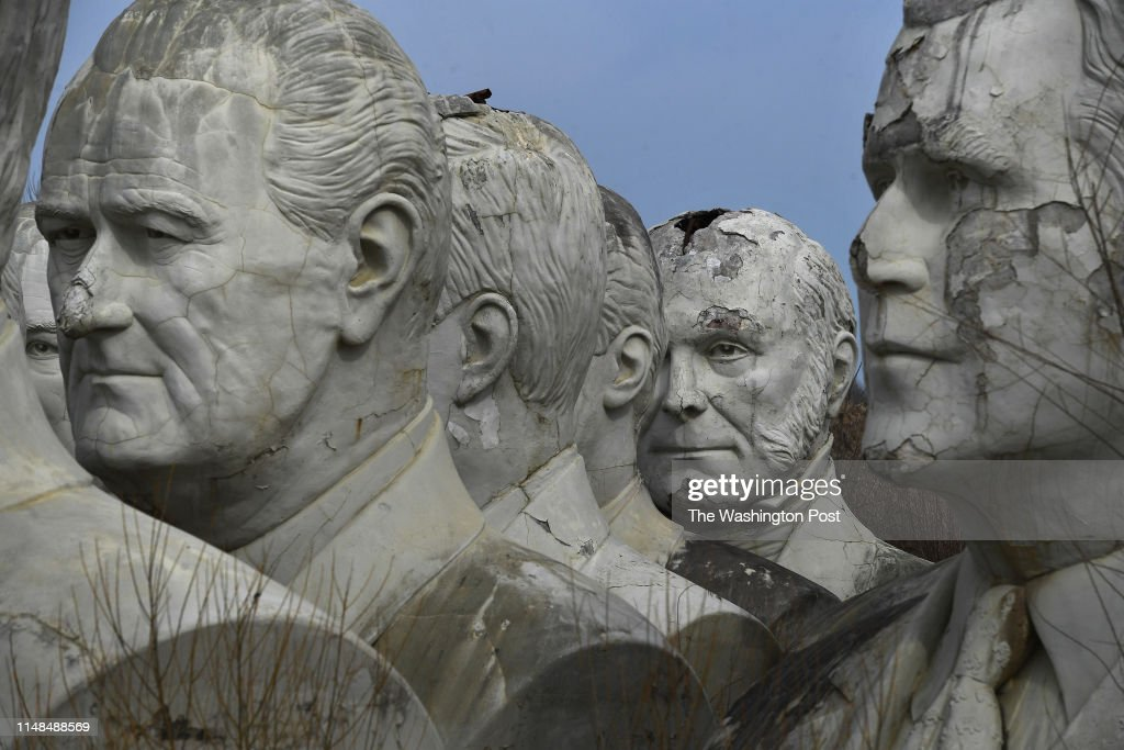 Presidential busts - Williamsburg , VA : News Photo