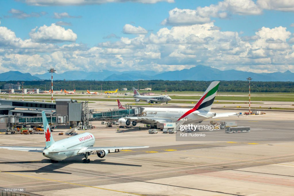 Busy Afternoon In Malpensa Airport Milan Italy High Res Stock Photo Getty Images