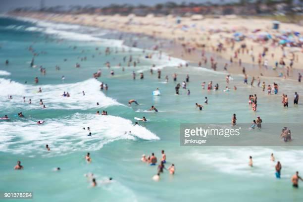 Huntington Beach, CA - August 02: Belebten Strand-Szene an einem wunderschönen Tag Südkalifornien in Huntington Beach, Kalifornien am 2. August 2018.