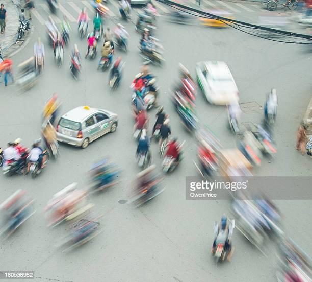 Longue chaotique flou de mouvement de trafic Hanoï, Vietnam