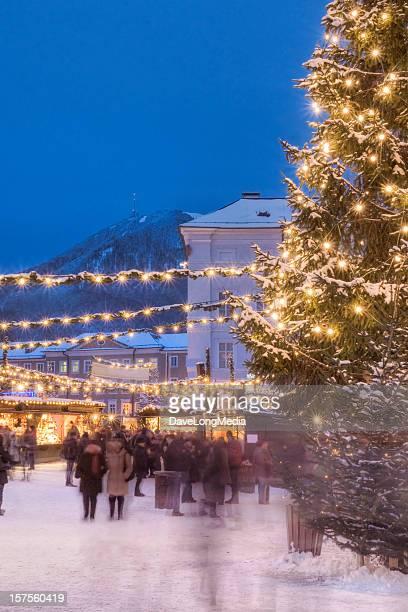 Beschäftigt Weihnachtsmarkt in Europa