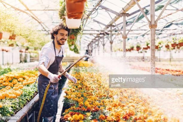 Drukke dag in het tuincentrum