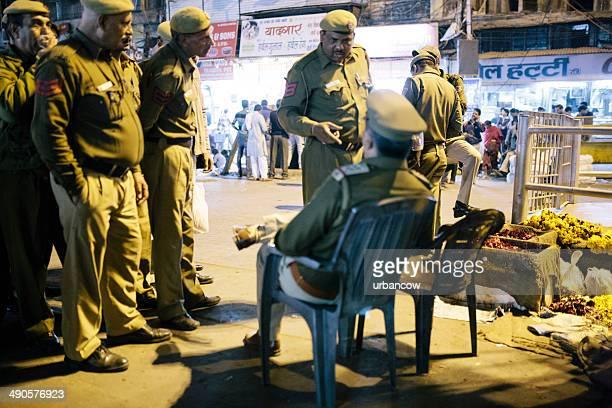 Busy Delhi police at night