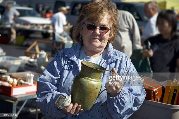 busy flea market - gala stock pictures, royalty-free photos & images