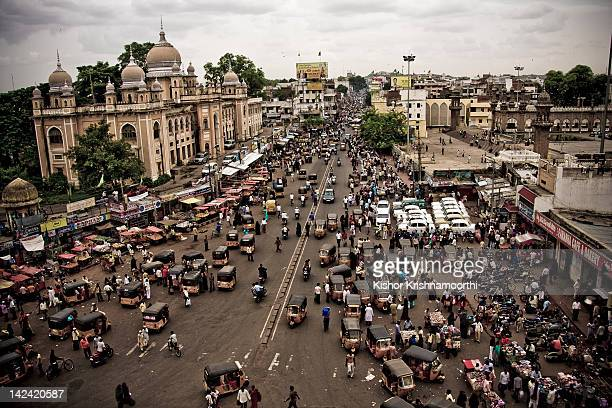 busy indian roads - south asia stock pictures, royalty-free photos & images