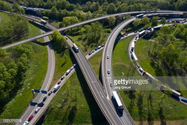 busy motorway junction - ruhrområdet bildbanksfoton och bilder