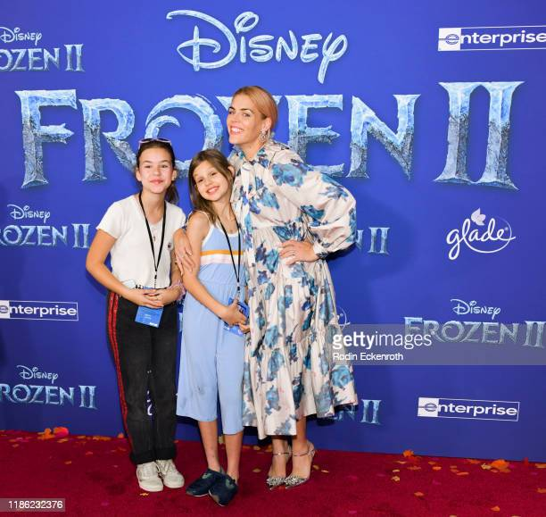 "Busy Philipps (R attends the Premiere of Disney's ""Frozen 2"" at Dolby Theatre on November 07, 2019 in Hollywood, California."
