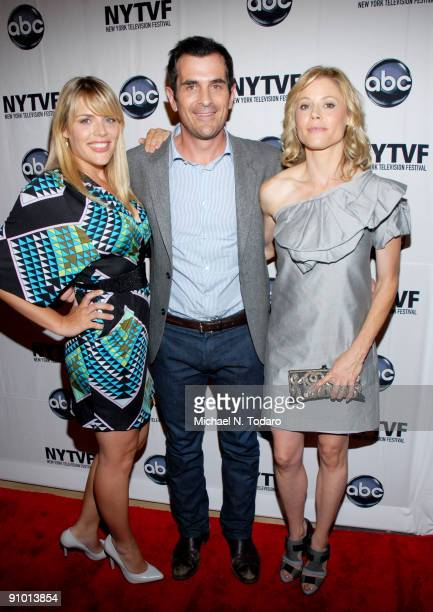 Busy Philipps Ty Burrell and Julie Bowen attend the 2009 New York Television Festival screenings of Modern Family and Cougar Town at TheTimesCenter...