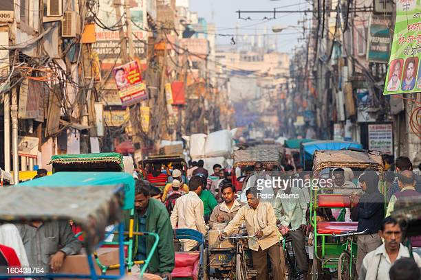 busy street, chandi chowk market, old delhi, india - old delhi stock pictures, royalty-free photos & images
