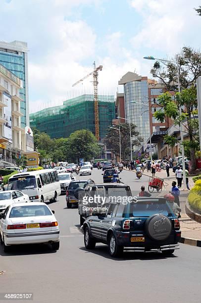 にぎやかな通りのキガリ,ルワンダ - キガリ ストックフォトと画像
