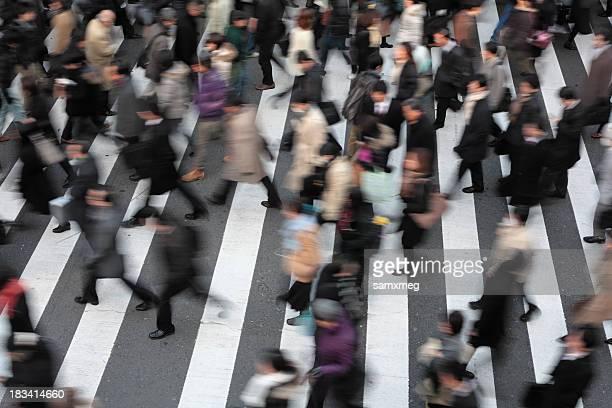 忙しい street - tokyo motion ストックフォトと画像