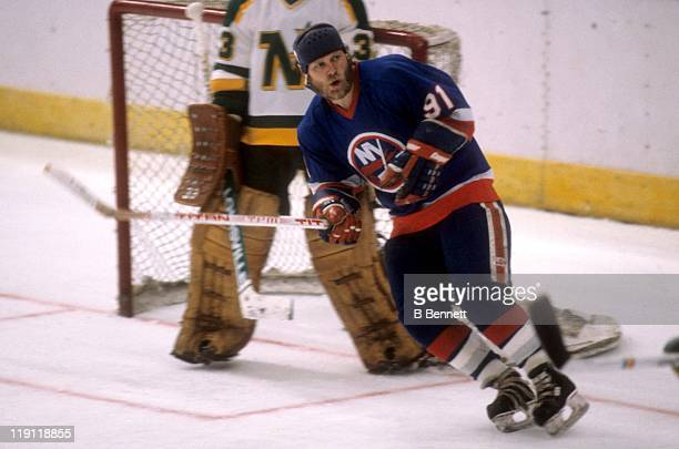 Butch Goring of the New York Islanders skates on the ice against the Minnesota North Stars during the 1981 Stanley Cup Finals in May 1981 at the...