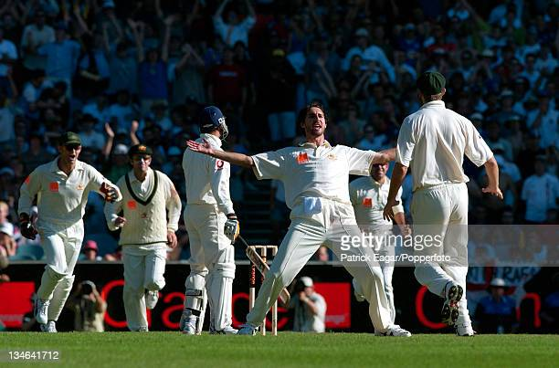 Butcher lbw Gillespie Australia v England 4th Test Melbourne Dec 02