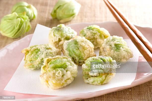 Butterbur sprout tempura