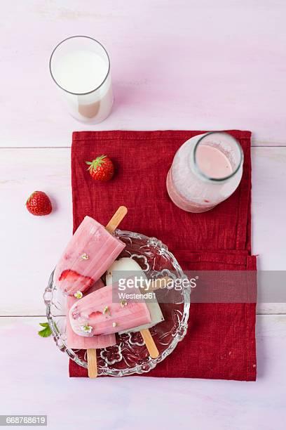 Buttermilk ice cream, strawberry and vanilla