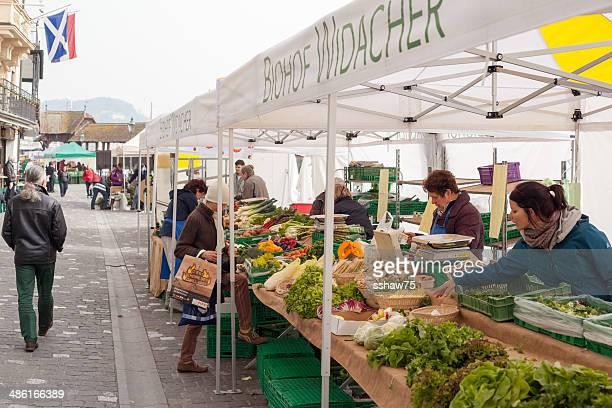 Einkaufen im Markt in Luzern