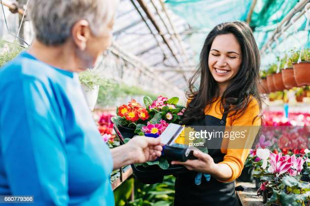 Buying flowers directly from the vendor