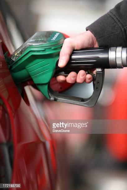 Achat de carburant gaz pompe le réchauffement de la planète en voiture