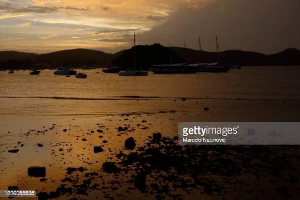 buzios, armacao beach - marcelo nacinovic stock pictures, royalty-free photos & images