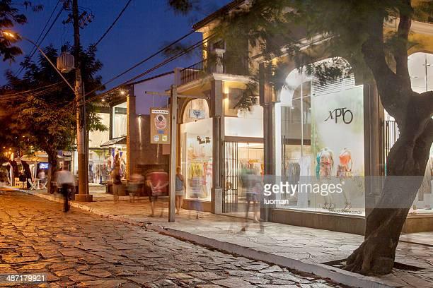 "buzios main street-rua das pedras "",buzios main street-rua das pedras"" - rua stock-fotos und bilder"