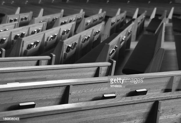 bw church pews 1 - religious service stock pictures, royalty-free photos & images