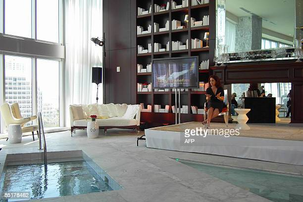 GENTE by Juan Castro CubanAmerican singer Gloria Estefan speaks during a press conference announcing her Latin American Tour at the Viceroy Hotel on...