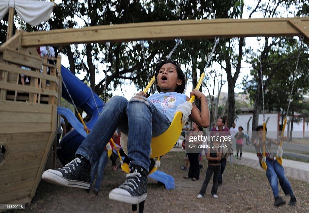 HONDURAS-SOCIETY-CRIME-GANGS-SECURITY-PARK : News Photo