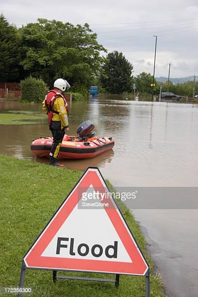 por la difusión - trabajador de rescate fotografías e imágenes de stock