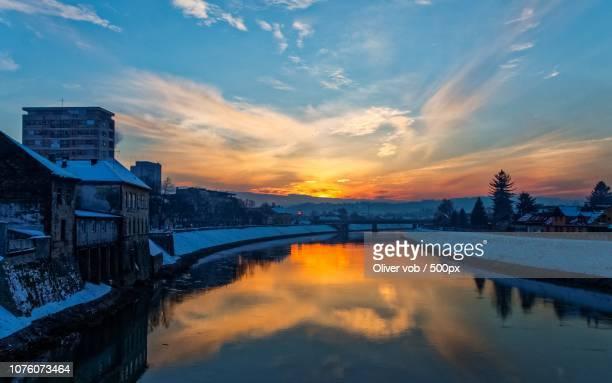 by the river kupa on twilight - rio kupa - fotografias e filmes do acervo