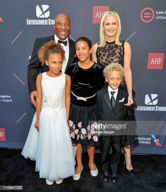 Byron Allen Jennifer Lucas and children attend Byron Allen Honored by Los Angeles Urban League on April 18 2019 in Hollywood California