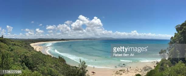 byron bay beach - rafael ben ari stock-fotos und bilder