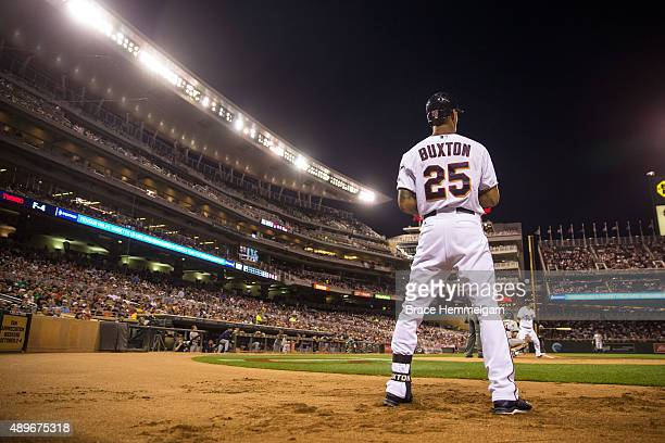 Byron Buxton of the Minnesota Twins waits ondeck against the Detroit Tigers on September 15 2015 at Target Field in Minneapolis Minnesota The Tigers...