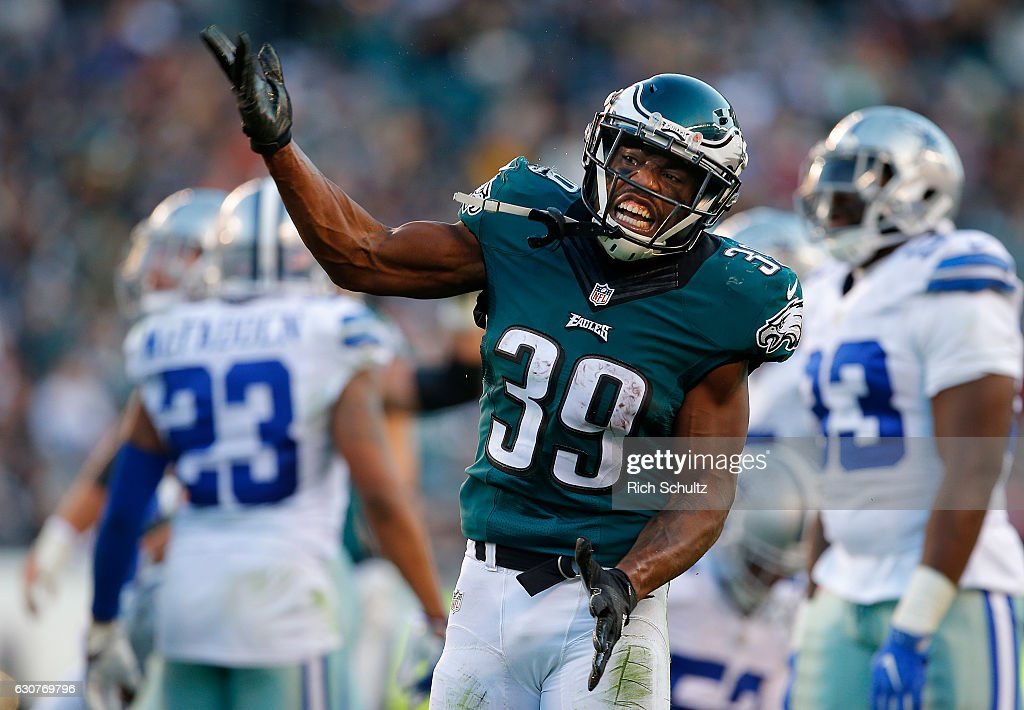 Byron Marshall #39 of the Philadelphia Eagles reacts after rushing for a first down against the Dallas Cowboys during the fourth quarter of a game at Lincoln Financial Field on January 1, 2017 in Philadelphia, Pennsylvania. The Eagles defeated the Cowboys 27-13.