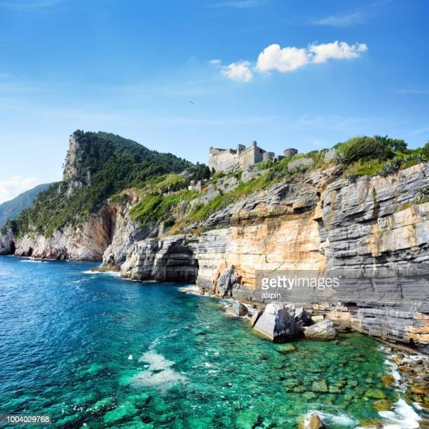 byron's grotto, portovenere - liguria foto e immagini stock