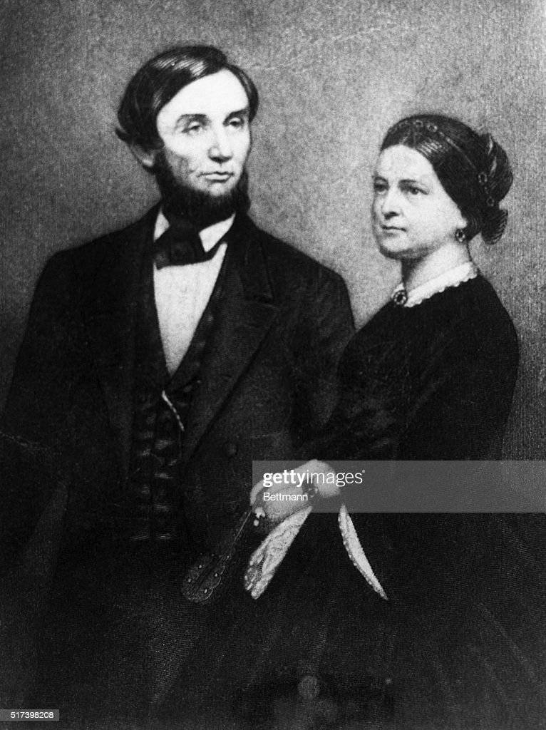 Portrait of Abraham and Mary Todd Lincoln : News Photo