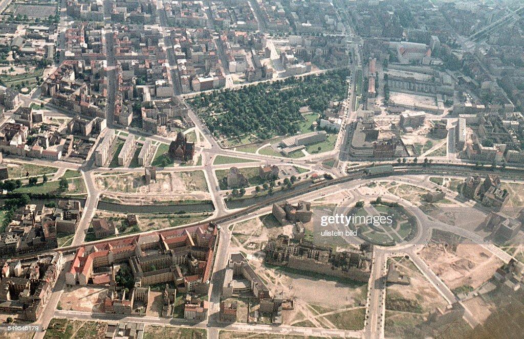 GER, ca. 1958, Berlin / Luftaufnahme : News Photo