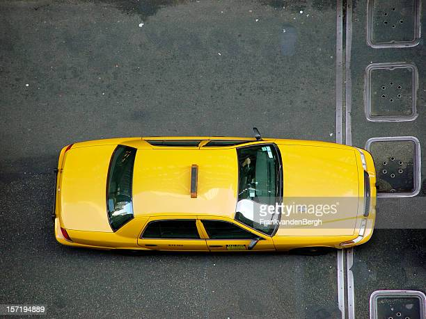 nyc cab - yellow taxi stock pictures, royalty-free photos & images