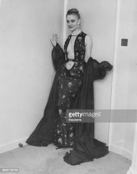 Cabaret entertainer Dodo d'Hamburg at her hotel in London having just arrived for the opening of the documentary film 'World by Night' in which she...