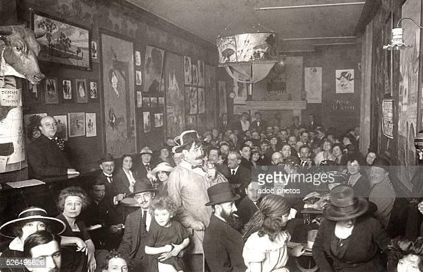 Cabaret named 'La Vache Enrag��e' on the butte Montmartre in Paris In 1925