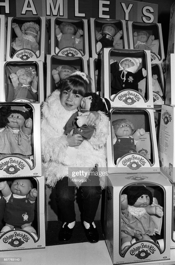 Cabbage Patch Dolls : News Photo