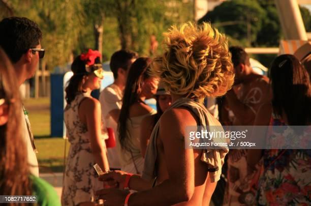 cabelo de fogo - cabelo humano fotografías e imágenes de stock
