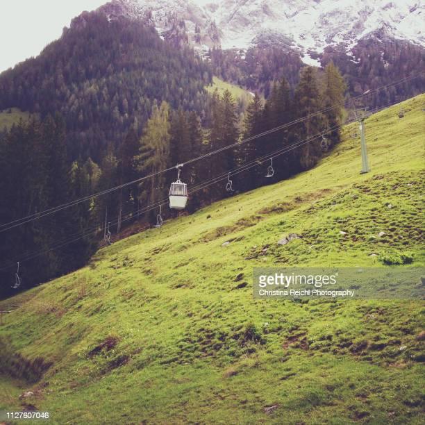 cabelway car in bavarian alps - garmisch partenkirchen stock pictures, royalty-free photos & images