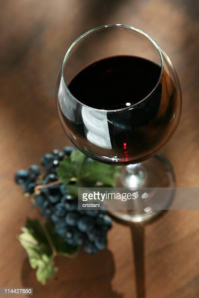 cabernet vinho e uvas - uvas cabernet sauvignon - fotografias e filmes do acervo