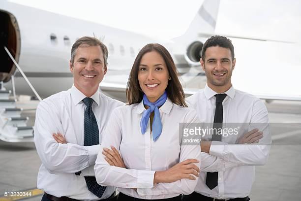 cabin crew at the airport - tripulação de bordo - fotografias e filmes do acervo