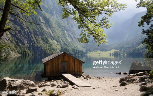 cabin on obersee lakeshore, bavaria, germany - bodensee stock-fotos und bilder