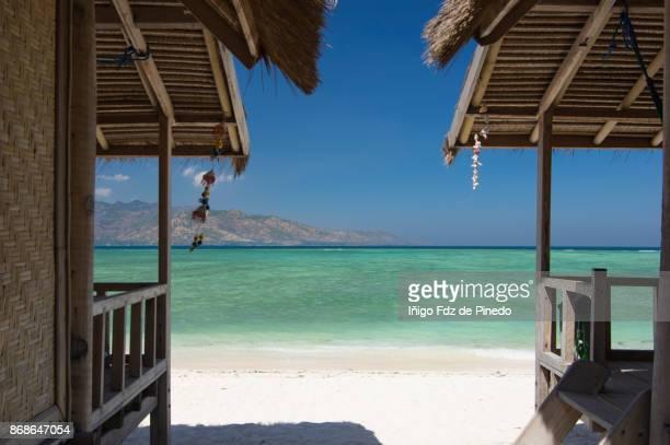 cabins in gili trawangan - lombok - indonesia - lombok fotografías e imágenes de stock