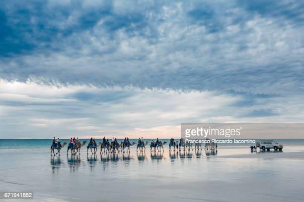 cable beach, broome, kimberley, western australia - francesco riccardo iacomino australia foto e immagini stock