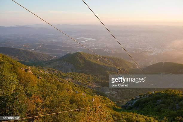 cable car in tirana albania - tirana stockfoto's en -beelden