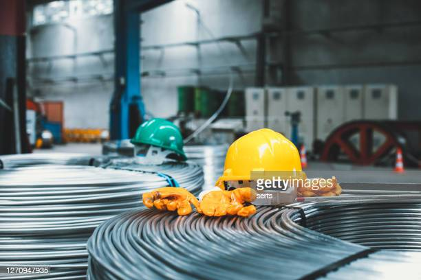 cable manufacturing machine in steel industry - arame imagens e fotografias de stock