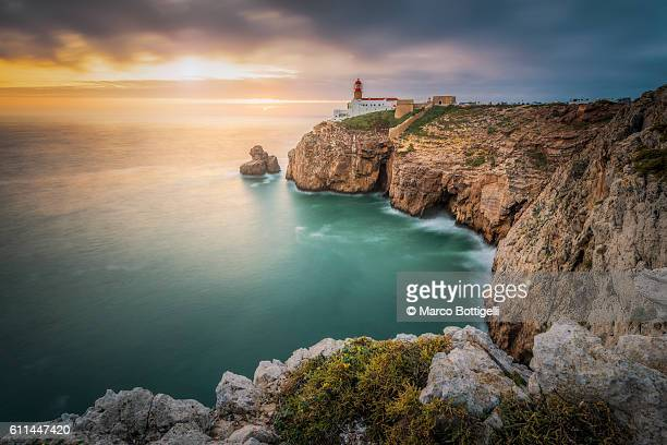 cabo de sao vicente (cape st. vincent) , sagres, algarve, portugal. - algarve stock photos and pictures